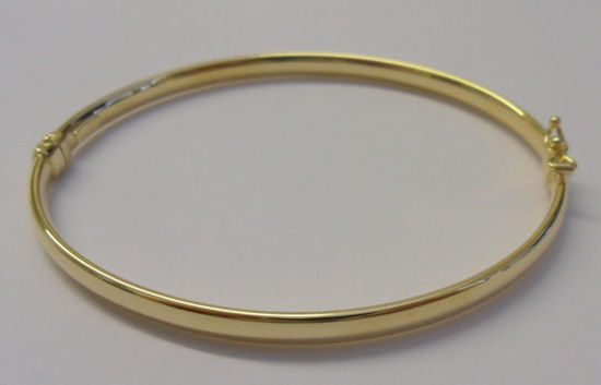 Picture of Oval shaped Gold Bangle
